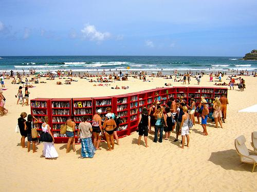 IKEA - Bibliothek am Strand
