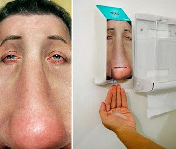 Kleenex Ambient Marketing Toilette